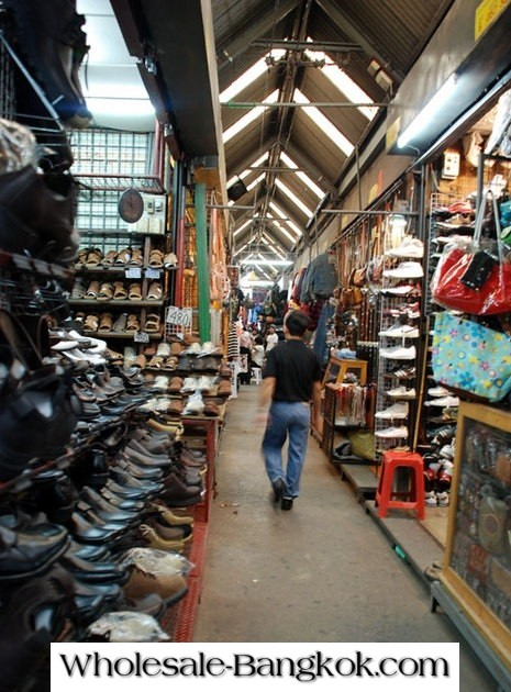 50 PHOTOS OF CHATUCHAK WEEKEND MARKET SHOPS AND PRODUCTS